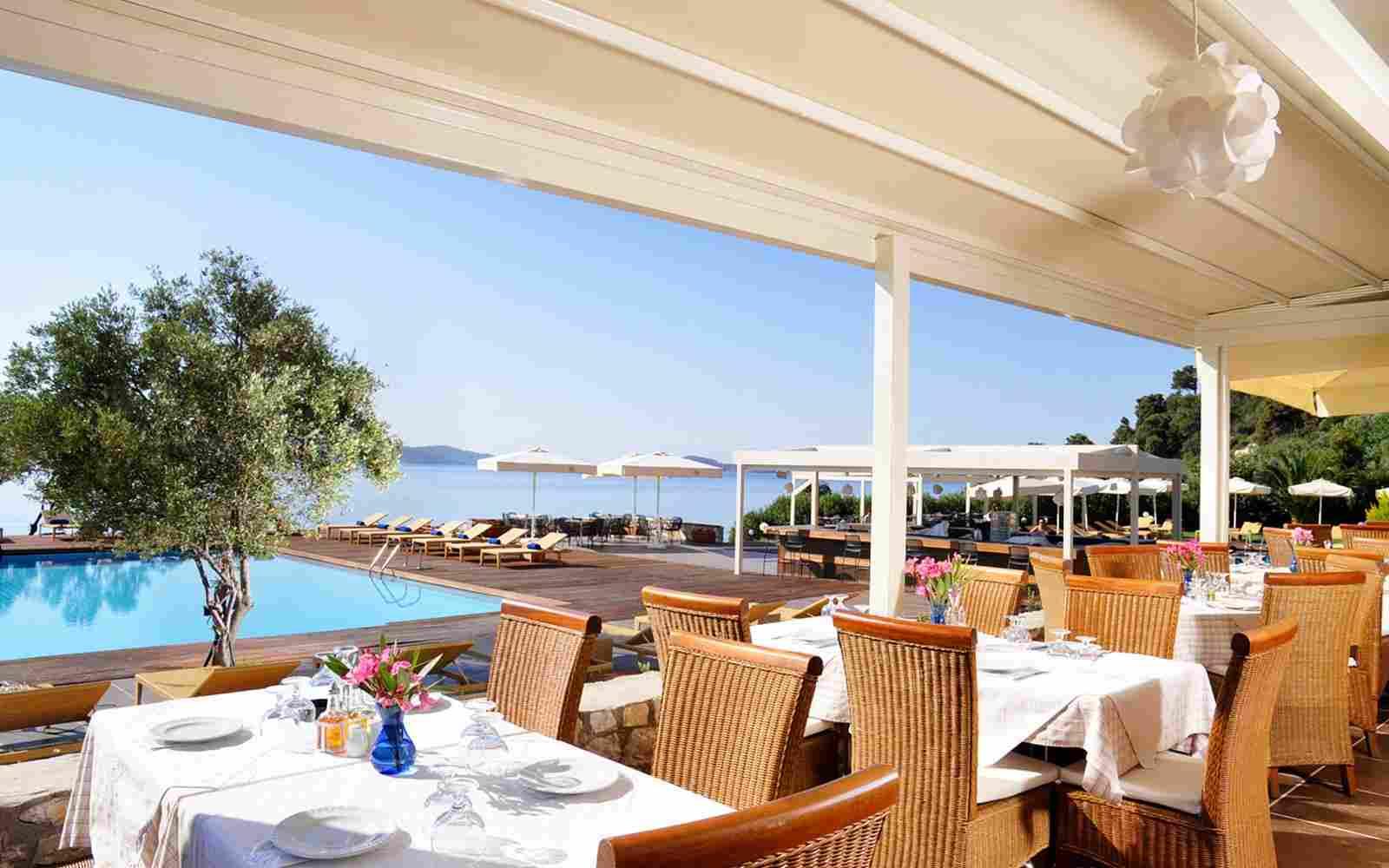 https://www.bellacosta.org/wp-content/uploads/2016/03/summer-hotel-08.jpg