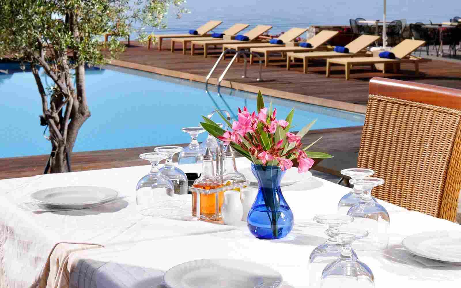 https://www.bellacosta.org/wp-content/uploads/2016/03/summer-hotel-09.jpg